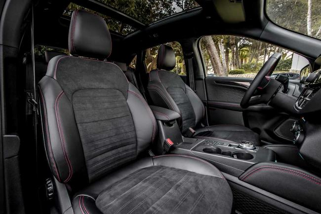 Interieur_ford-kuga-phev-l-essai-du-suv-hybride-rechargeable-yankee_2