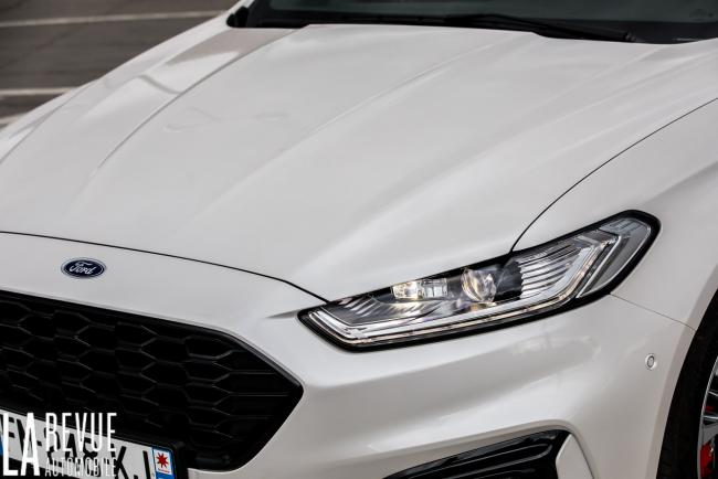 Exterieur_ford-mondeo-hybrid-sw_16