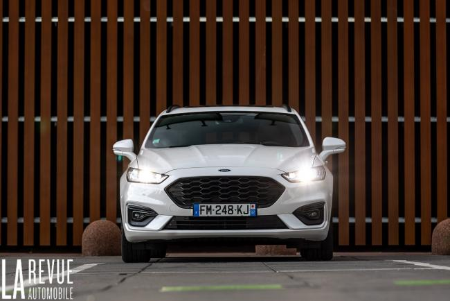 Exterieur_ford-mondeo-hybrid-sw_2