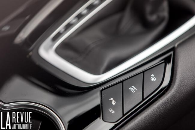 Interieur_ford-mondeo-hybrid-sw_2