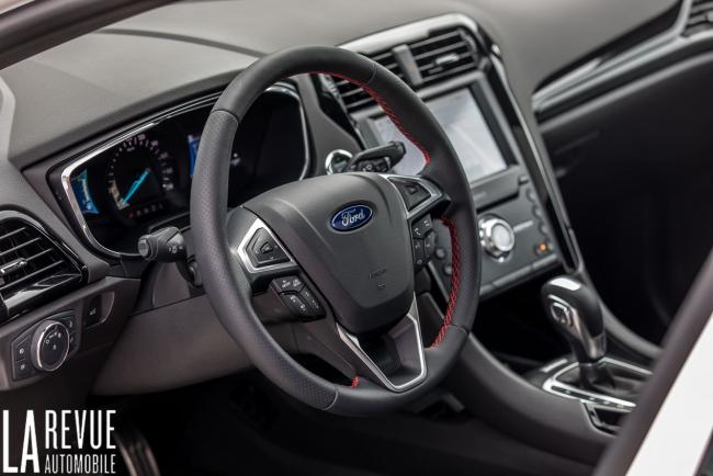 Interieur_ford-mondeo-hybrid-sw_5
