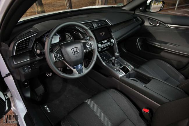 Interieur_Honda-Civic-1.5-iVtec-2017_34