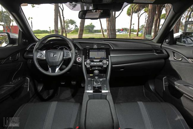 Interieur_Honda-Civic-1.5-iVtec-2017_30