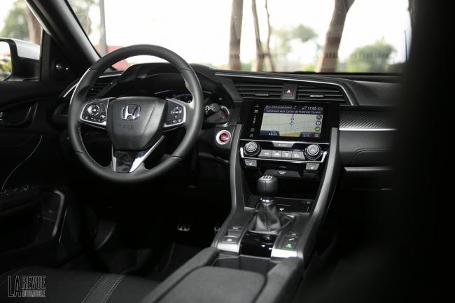 Interieur_Honda-Civic-1.5-iVtec-2017_41