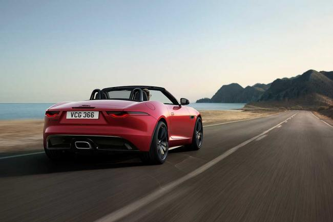 Exterieur_jaguar-f-type-r-dynamic-black-le-millesime-2022-ultra-chic_2