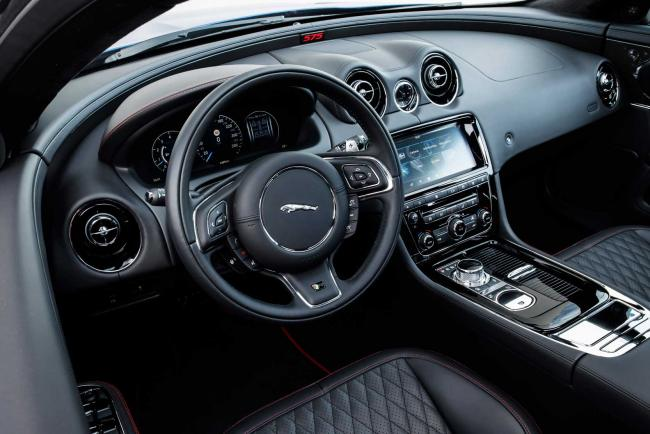 Interieur_Jaguar-XJR-575_40
