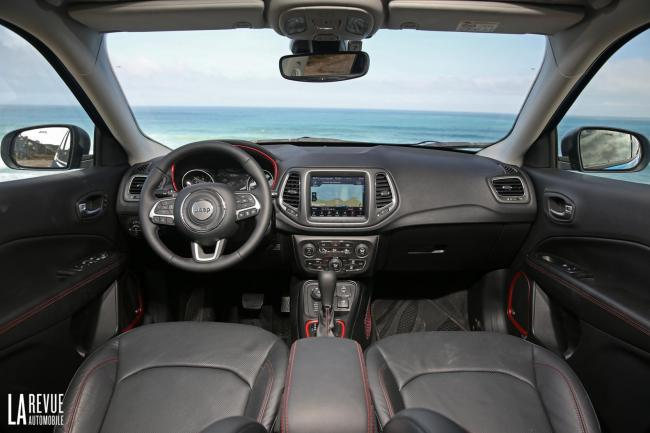 Interieur_Jeep-Compass-2.0-170-2017_34