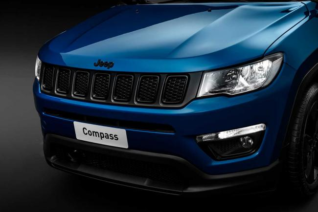 Exterieur_jeep-compass-night-eagle_6