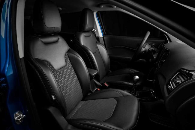 Interieur_jeep-compass-night-eagle_1