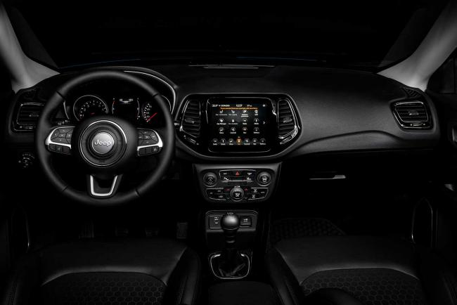Interieur_jeep-compass-night-eagle_2
