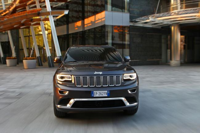 Exterieur_Jeep-Grand-Cherokee-Summit_4