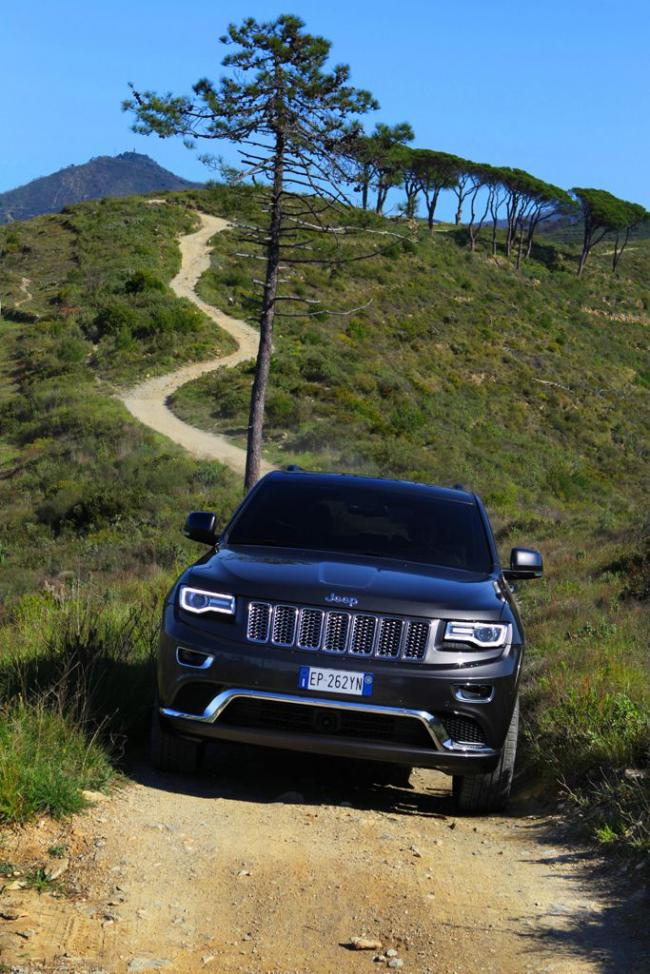 Exterieur_Jeep-Grand-Cherokee-Summit_14