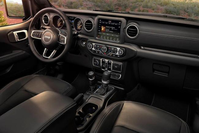 Interieur_Jeep-Wrangler-2018_59