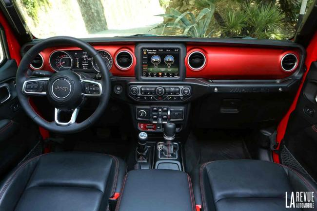 Interieur_Jeep-Wrangler-Rubicon_38
