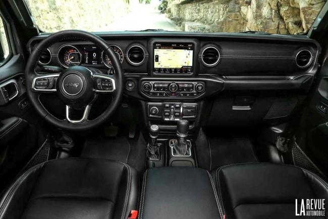 Interieur_Jeep-Wrangler-Rubicon_34