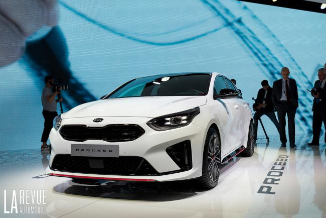 Exterieur_Kia-ProCeed-Salon_6