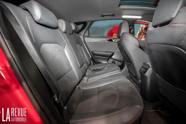 Interieur_Kia-ProCeed-Salon_10