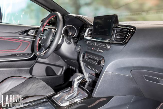 Interieur_Kia-ProCeed-Salon_12