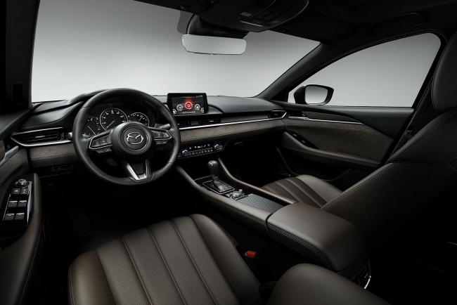 Interieur_Mazda-6-Facelift-2018_9