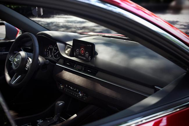 Interieur_Mazda-6-Facelift-2018_15