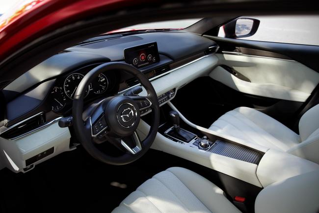 Interieur_Mazda-6-Facelift-2018_18