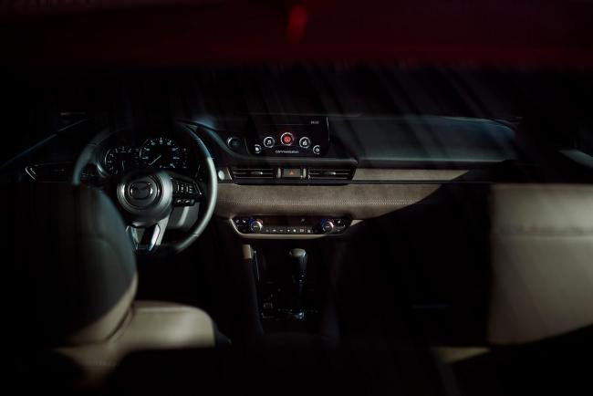 Interieur_Mazda-6-Facelift-2018_11