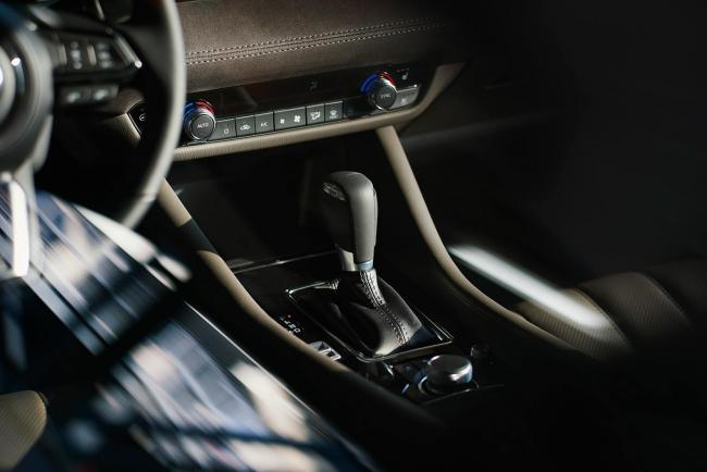 Interieur_Mazda-6-Facelift-2018_12