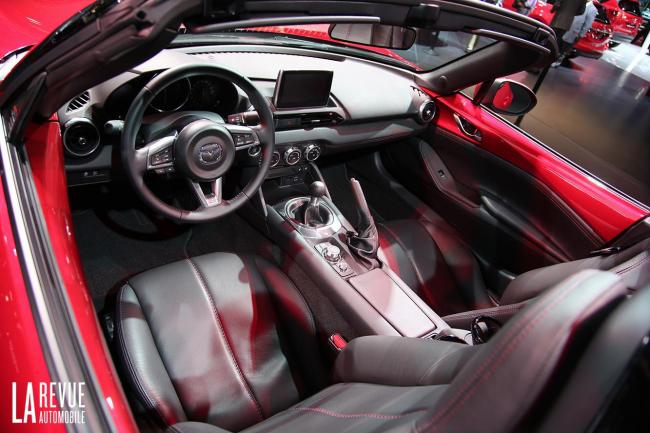 Interieur_Mazda-MX-5-2015_15
