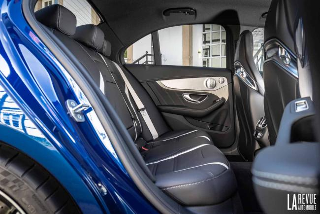 Interieur_Mercedes-AMG-C-63-S-Berline_28