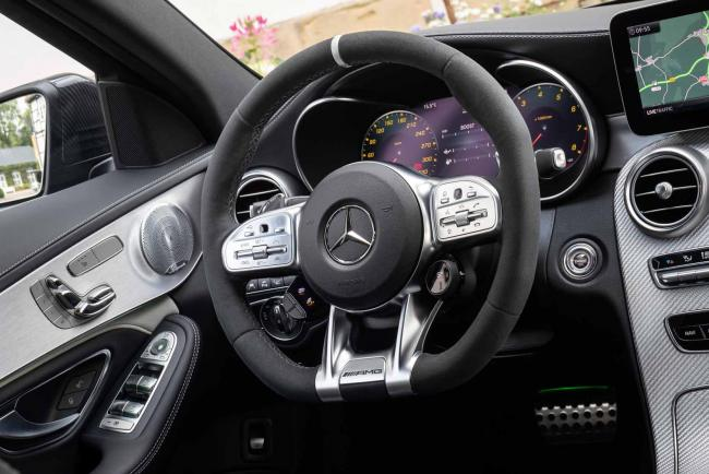 Interieur_Mercedes-AMG-C-63-S-Berline_27