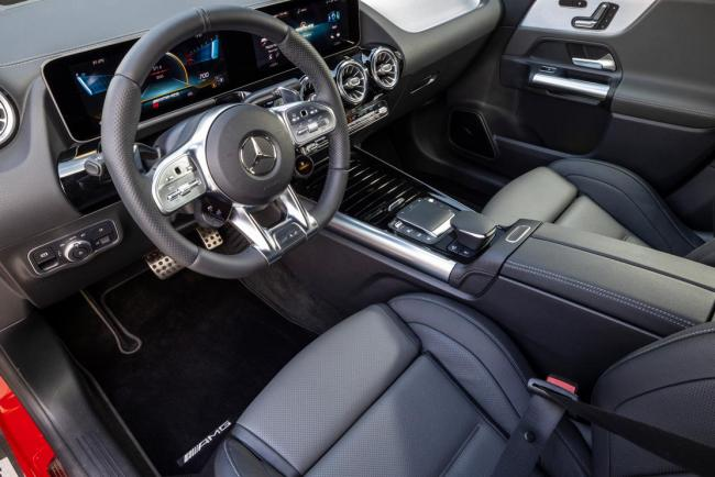 Interieur_mercedes-amg-gla-35-4matic_2
