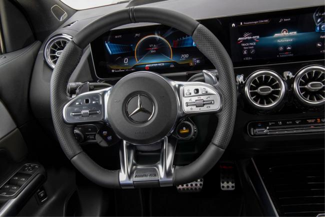 Interieur_mercedes-amg-gla-35-4matic_3