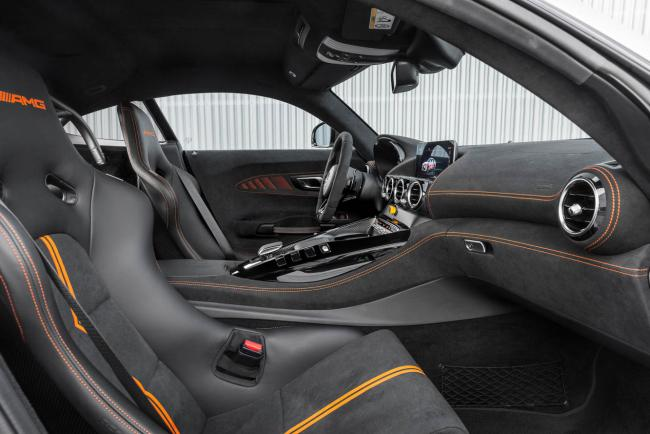 Interieur_mercedes-amg-gt-black-series_0