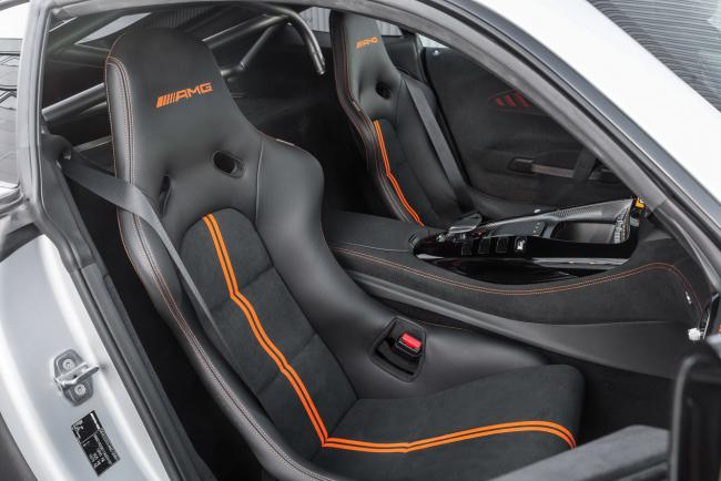 Interieur_mercedes-amg-gt-black-series_1