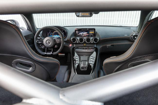 Interieur_mercedes-amg-gt-black-series_2
