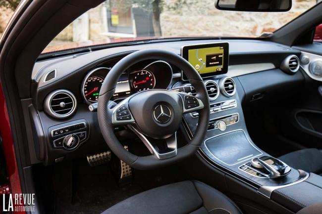 Interieur_Mercedes-C300-Coupe_31