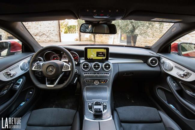 Interieur_Mercedes-C300-Coupe_30