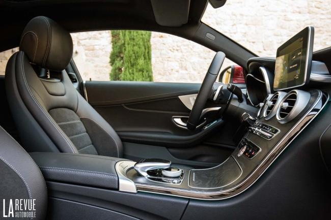 Interieur_Mercedes-C300-Coupe_34