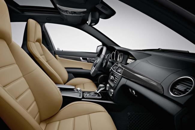 Interieur_Mercedes-C63-AMG-Break_11