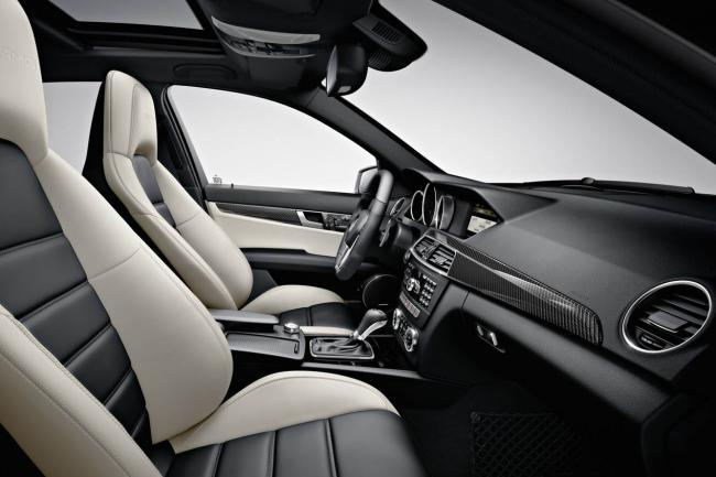 Interieur_Mercedes-C63-AMG-Break_12
