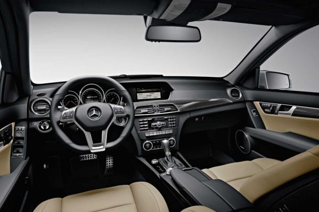 Interieur_Mercedes-C63-AMG-Break_16