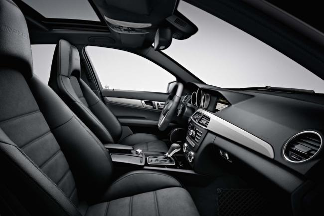 Interieur_Mercedes-C63-AMG-Break_15
