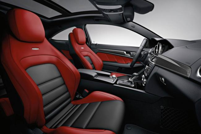 Interieur_Mercedes-C63-AMG-Coupe_24