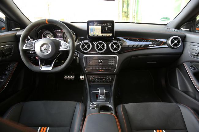 Interieur_Mercedes-CLA-45-AMG-Shooting-Brake_33