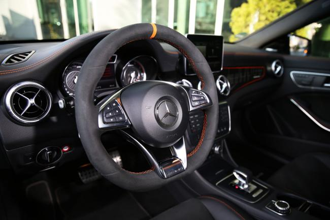 Interieur_Mercedes-CLA-45-AMG-Shooting-Brake_39