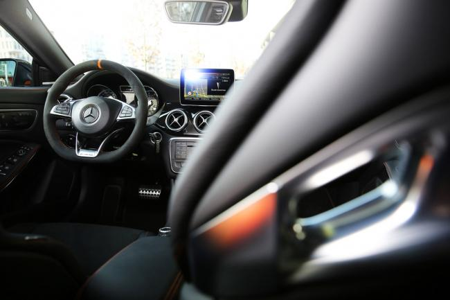 Interieur_Mercedes-CLA-45-AMG-Shooting-Brake_42