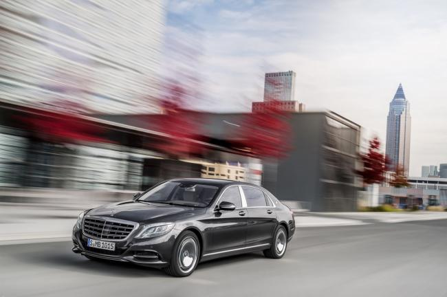 Mercedes maybach s600 place au grand luxe
