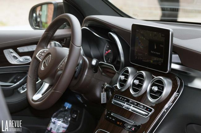 Interieur_Mercedes-Glc-250d-4matic_26