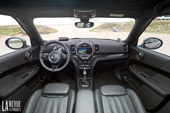 Interieur_Mini-Cooper-S-E-Countryman_33