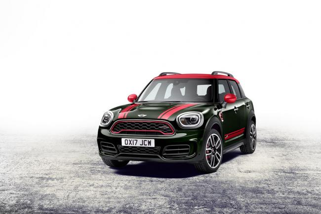 Le mini countryman adopte le badge john cooper works